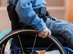 sedia a rotelle disabili apertura