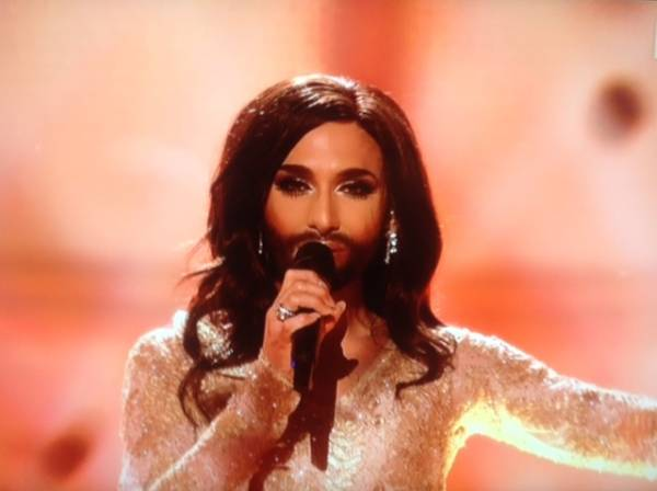 Conchita Wurst, l'incredibile vincitrice di Eurosong 2014 (inserita in galleria)