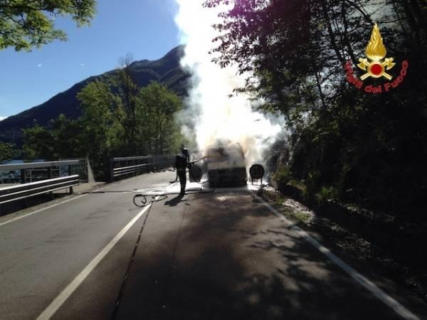 Esplode cisterna di gpl sulla statale 394 (inserita in galleria)