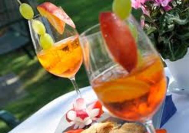 happy hour aperitivo alcol