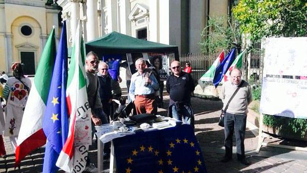Il PD in piazza per le europee (inserita in galleria)