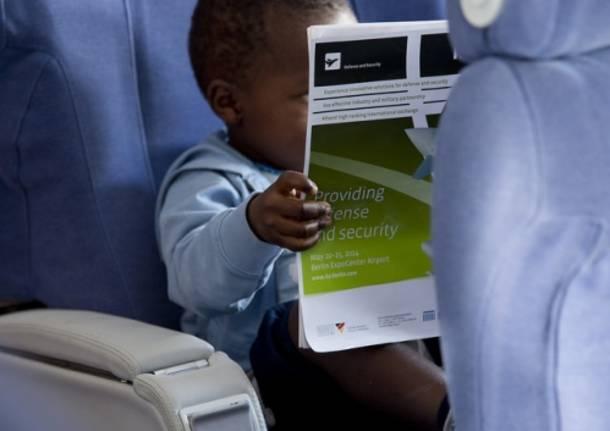 L'arrivo dei bambini adottati dal Congo (inserita in galleria)
