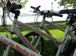 Soccorritori ciclisti targati Cri (inserita in galleria)