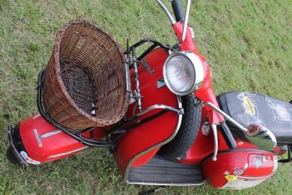 Auto e moto d'epopca in mostra a Olgiate Olona (inserita in galleria)