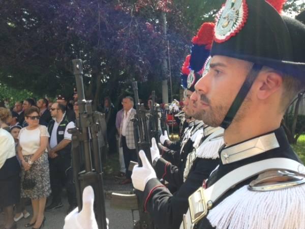 Carabinieri, il picchetto d'onore (inserita in galleria)