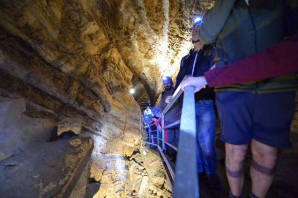Dentro la grotta Remeron  (inserita in galleria)