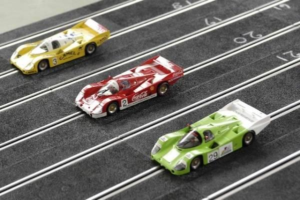 """Germignaga, la grande gara con le auto """"slot"""" (inserita in galleria)"""