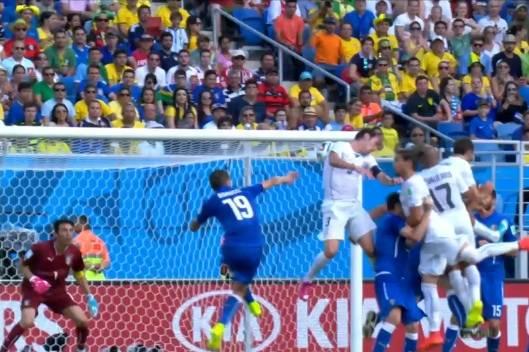 Il gol di Godin fa vincere l'Uruguay (inserita in galleria)