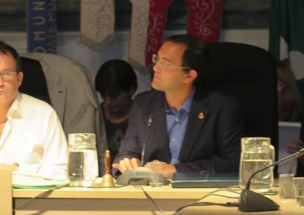 Nuovo consiglio comunale a Lonate Pozzolo (inserita in galleria)