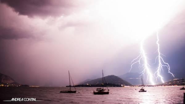 Pioggia di fulmini sul Verbano (inserita in galleria)
