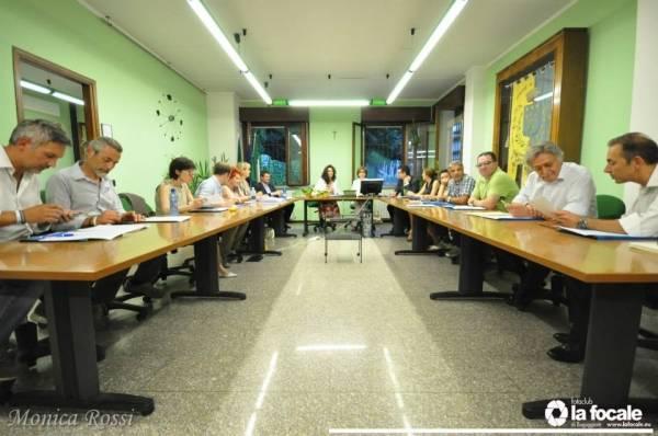 Primo consiglio comunale a Buguggiate (inserita in galleria)