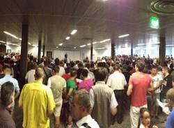 Un folla ordinata per l'asta di Malpensa (inserita in galleria)
