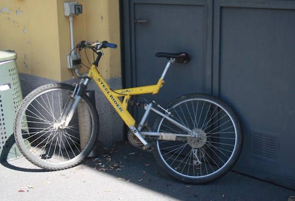 Biciclette abbandonate a Gallarate (inserita in galleria)