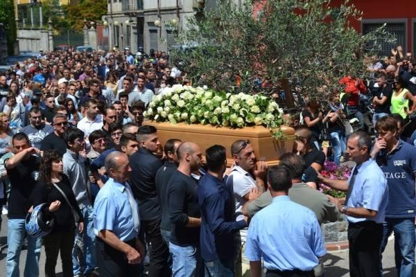 I funerali di Mauro Cariello (inserita in galleria)