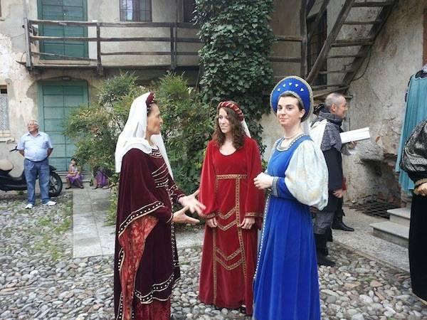I preparativi della sfilata a Castiglione (inserita in galleria)