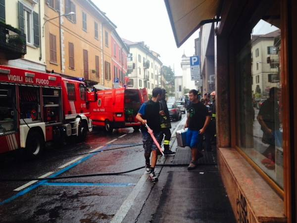 Incendio in via Carrobbio (inserita in galleria)
