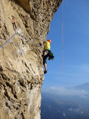Lo spettacolo dell'arrampicata in montagna (inserita in galleria)