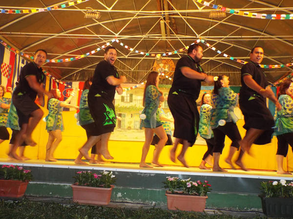 Maori dalla Nuova Zelanda a Cunardo per folclore (inserita in galleria)