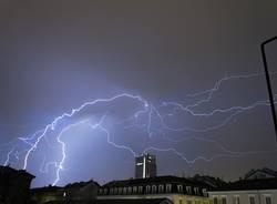 temporale tetti varese fulmini
