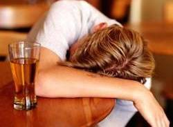 giovani alcool apertura