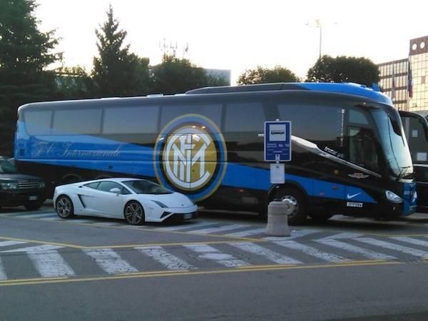 L'Inter a Malpensa (inserita in galleria)