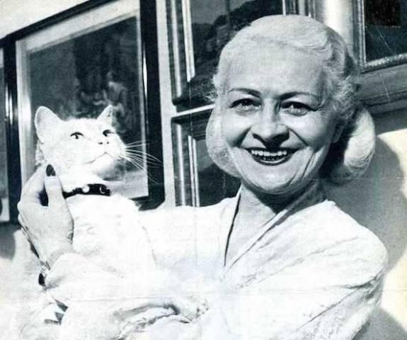 Liala: autrice da bestseller con una vita romanzo (inserita in galleria)