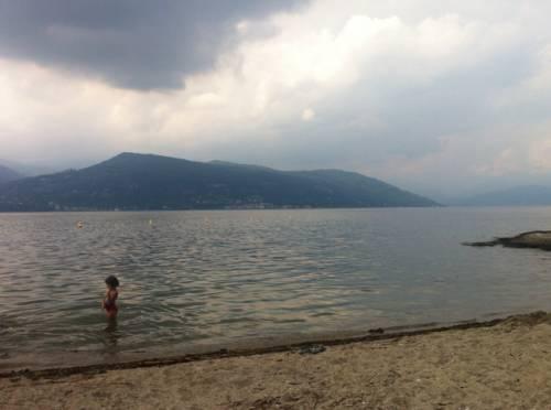 panorama dalla spiaggia di ispra  (inviata tramite iPhone app)