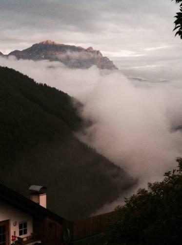 Santa Croce sospesa tra le nuvole  (inviata tramite iPhone app)