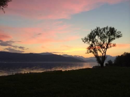 tramonto lago pace assoluta