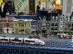 Cassano Magnago invasa dai mattoncini Lego (inserita in galleria)