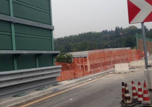 I lavori sul ponte della tangenziale di Varese (inserita in galleria)