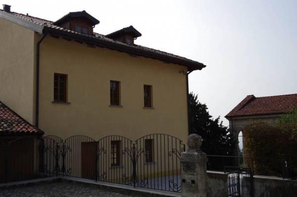 Il Centro Espositivo dedicato a Mons. Macchi al Sacro Monte (inserita in galleria)