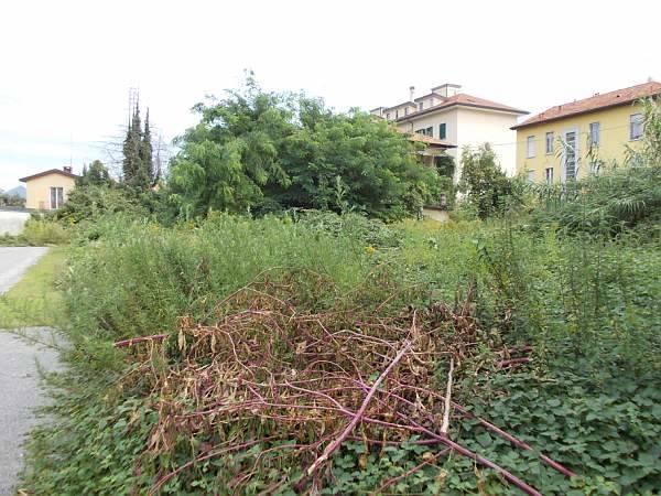 Il degrado di piazzale Ernesto Redaelli (inserita in galleria)