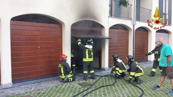 Incendio in un garage (inserita in galleria)