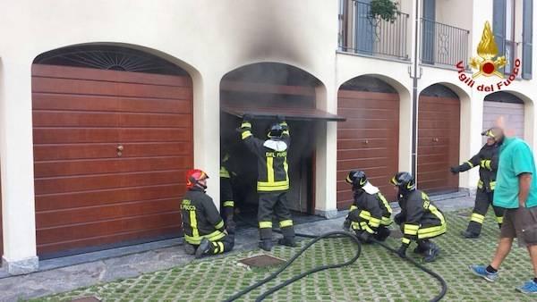 Incendio in un garage (inserita in galleria)