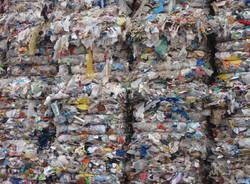 rifiuti spazzatura ecoballe eco balle