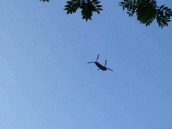 Un Chinook ICH47 sui cieli di Varese (inserita in galleria)