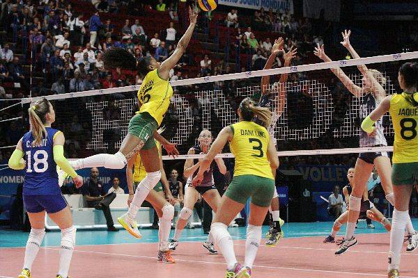 Brasile battuto dagli Stati Uniti, affronta l'Italia (inserita in galleria)