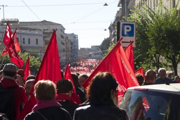 Cgil in piazza a Roma: Il fotoraconto (inserita in galleria)