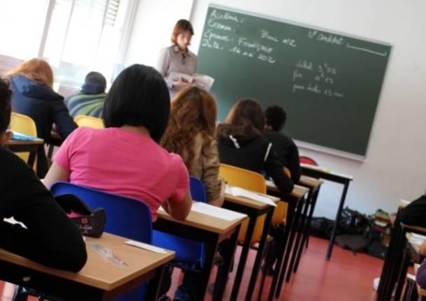 insegnanti docenti professori aula studenti
