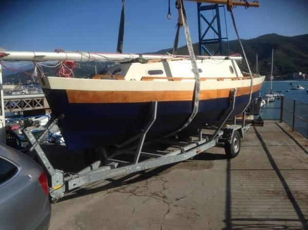 La barca autocostruita (inserita in galleria)