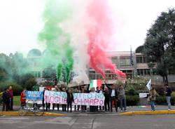 manifestazione tribunale busto arsizio fratelli d'italia