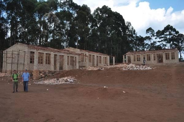 Progetto Cimberio: cresce la scuola in Burundi (inserita in galleria)