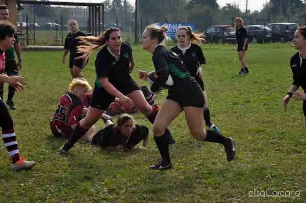 Rugby - Le Amazzoni Varese in campo (inserita in galleria)