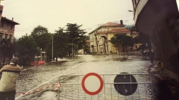 Esondazione del '93 a Luino (inserita in galleria)