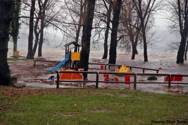 Esondazione - il lago a Maccagno (inserita in galleria)