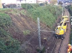 Frana sulla ferrovia a Germignaga (inserita in galleria)