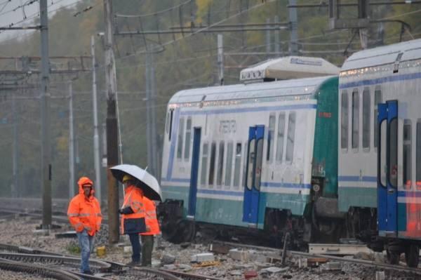 Il treno deragliato a Busto Arsizio (inserita in galleria)