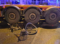 incidente tir camion bici bicicletta
