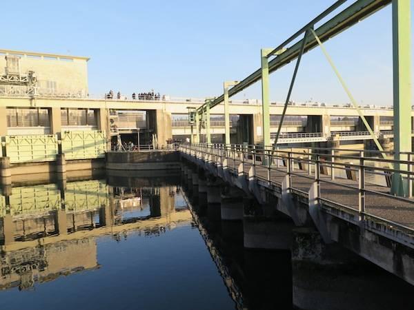 La centrale elettrica sul Ticino (inserita in galleria)